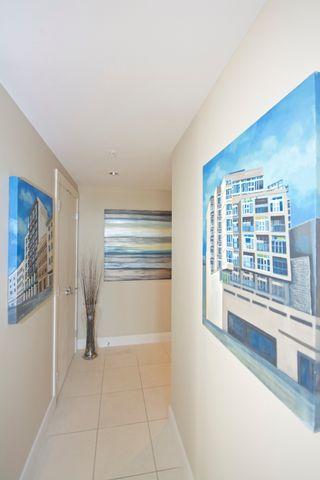 "Photo 2: 1401 1473 JOHNSTON Road: White Rock Condo for sale in ""MIRAMAR TOWER B"" (South Surrey White Rock)  : MLS®# R2031179"