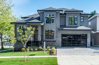 Photo 2: 12988 CARLUKE Crescent in Surrey: Queen Mary Park Surrey House for sale : MLS®# R2378522