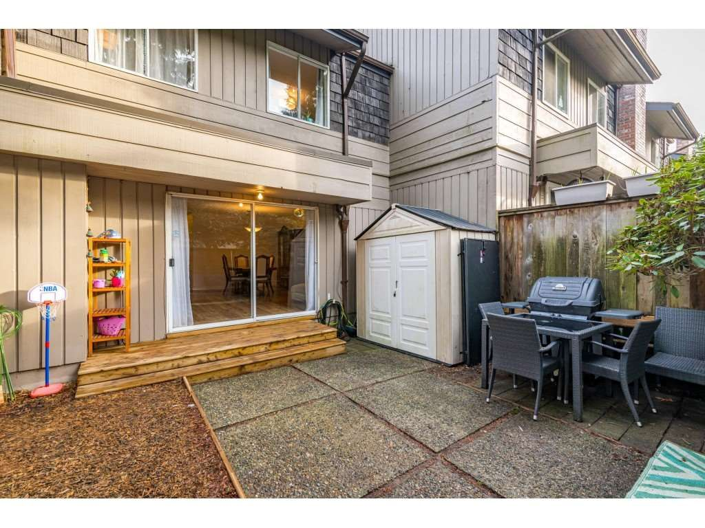 "Photo 31: Photos: 2393 MOUNTAIN Highway in North Vancouver: Lynn Valley Townhouse for sale in ""WORKWOOD PARK"" : MLS®# R2532253"