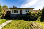 Main Photo: 207 W 24TH Street in North Vancouver: Central Lonsdale House for sale : MLS®# R2580002