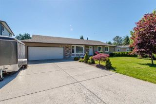 """Photo 2: 2046 MAJESTIC Crescent in Abbotsford: Abbotsford West House for sale in """"Central/Mill Lake Area"""" : MLS®# R2181541"""