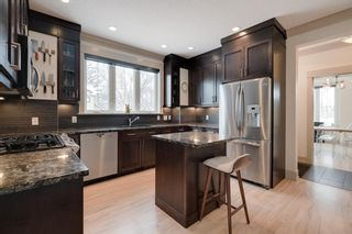Photo 2: 5602 5 Street SW in Calgary: Windsor Park Semi Detached for sale : MLS®# A1066673