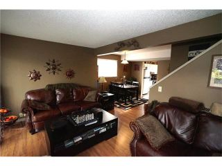 Photo 6: 121 WHITEWOOD Place NE in Calgary: Whitehorn House for sale : MLS®# C4080124