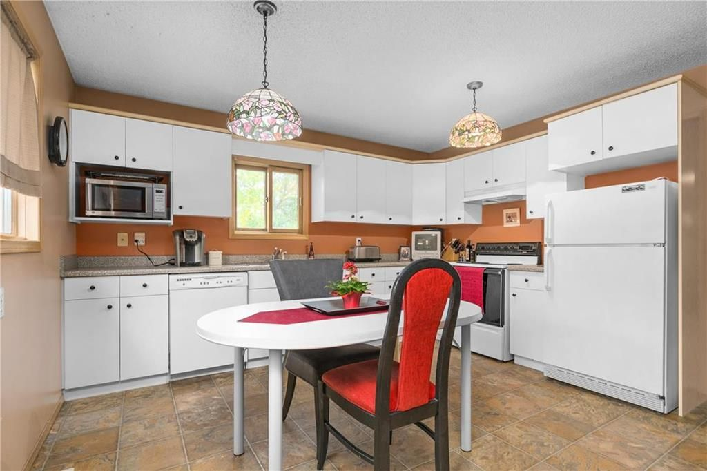 Photo 8: Photos: 144 Maplegrove Road in Winnipeg: Riverbend Residential for sale (4E)  : MLS®# 202024993