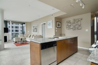 """Photo 8: 502 138 E ESPLANADE in North Vancouver: Lower Lonsdale Condo for sale in """"Premier at the Pier"""" : MLS®# R2108976"""