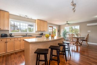 Photo 6: 3830 Laurel Dr in : CV Courtenay South House for sale (Comox Valley)  : MLS®# 854599