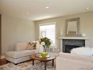 Photo 4: 201 1037 Richardson St in VICTORIA: Vi Fairfield West Condo for sale (Victoria)  : MLS®# 610474