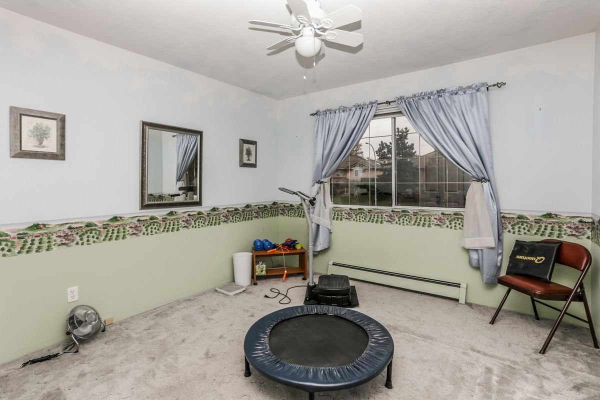 Photo 15: Photos: 14038 84 Avenue in Surrey: Bear Creek Green Timbers House for sale : MLS®# R2214208