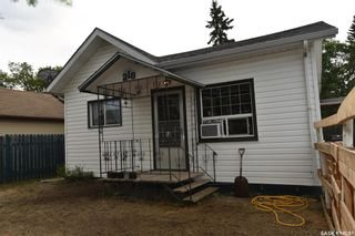 Photo 1: 218 4A Street East in Nipawin: Residential for sale : MLS®# SK865483