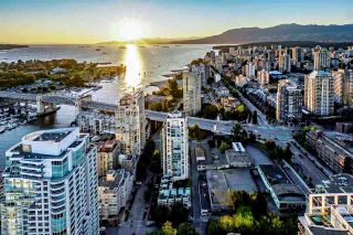"Photo 3: 5601 1480 HOWE Street in Vancouver: Yaletown Condo for sale in ""VANCOUVER HOUSE"" (Vancouver West)  : MLS®# R2531161"