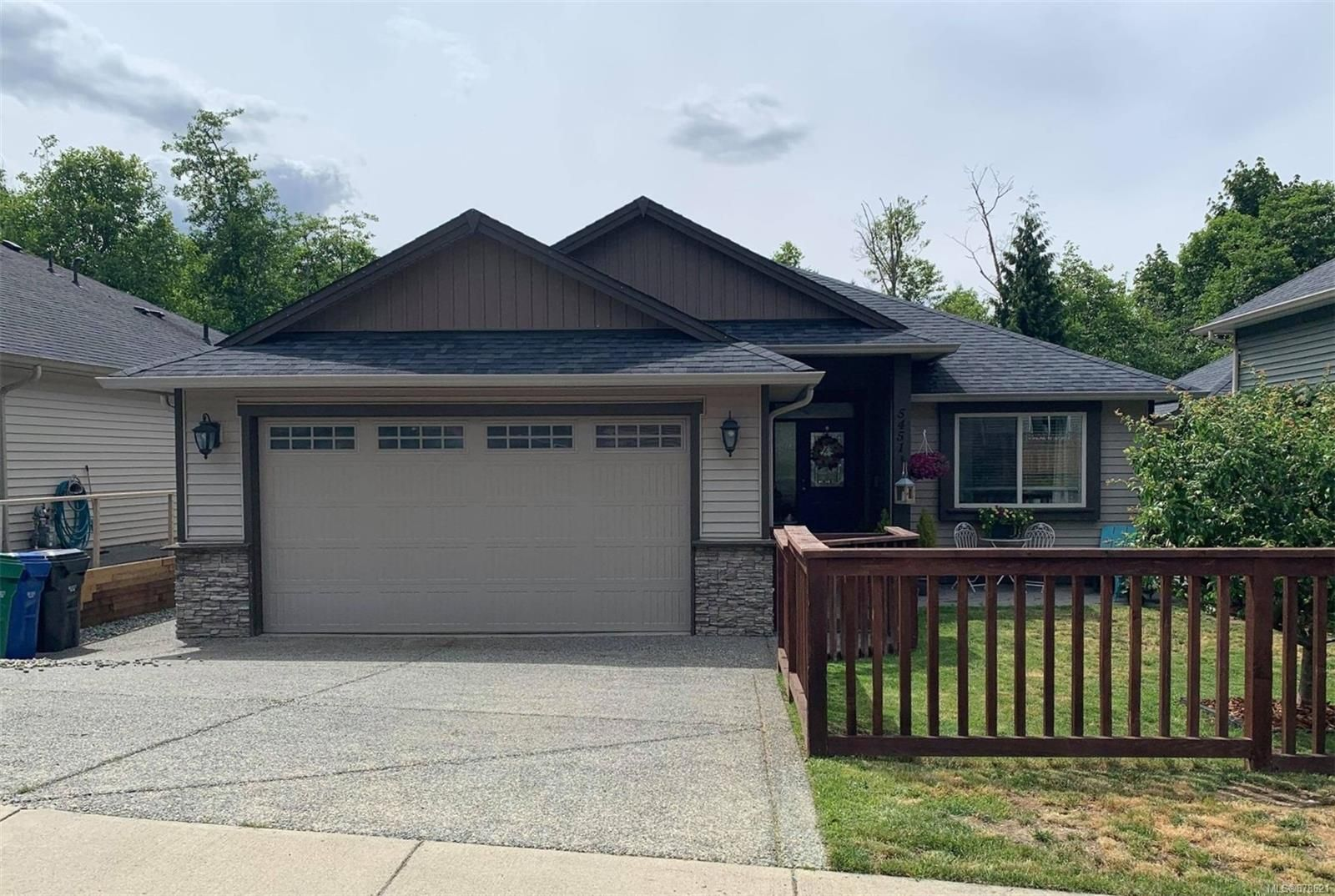 Level Entry with lower walk out basement with legal 2 bedroom suite