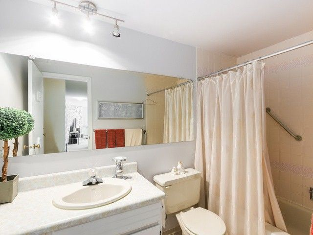 """Photo 14: Photos: 203 15010 ROPER Avenue: White Rock Condo for sale in """"Baycrest"""" (South Surrey White Rock)  : MLS®# F1417713"""