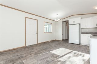 """Photo 7: 34 20071 24 Avenue in Langley: Brookswood Langley Manufactured Home for sale in """"Fernridge Park"""" : MLS®# R2484697"""