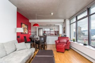 """Photo 10: 2001 108 W CORDOVA Street in Vancouver: Downtown VW Condo for sale in """"Woodwards W32"""" (Vancouver West)  : MLS®# R2465533"""