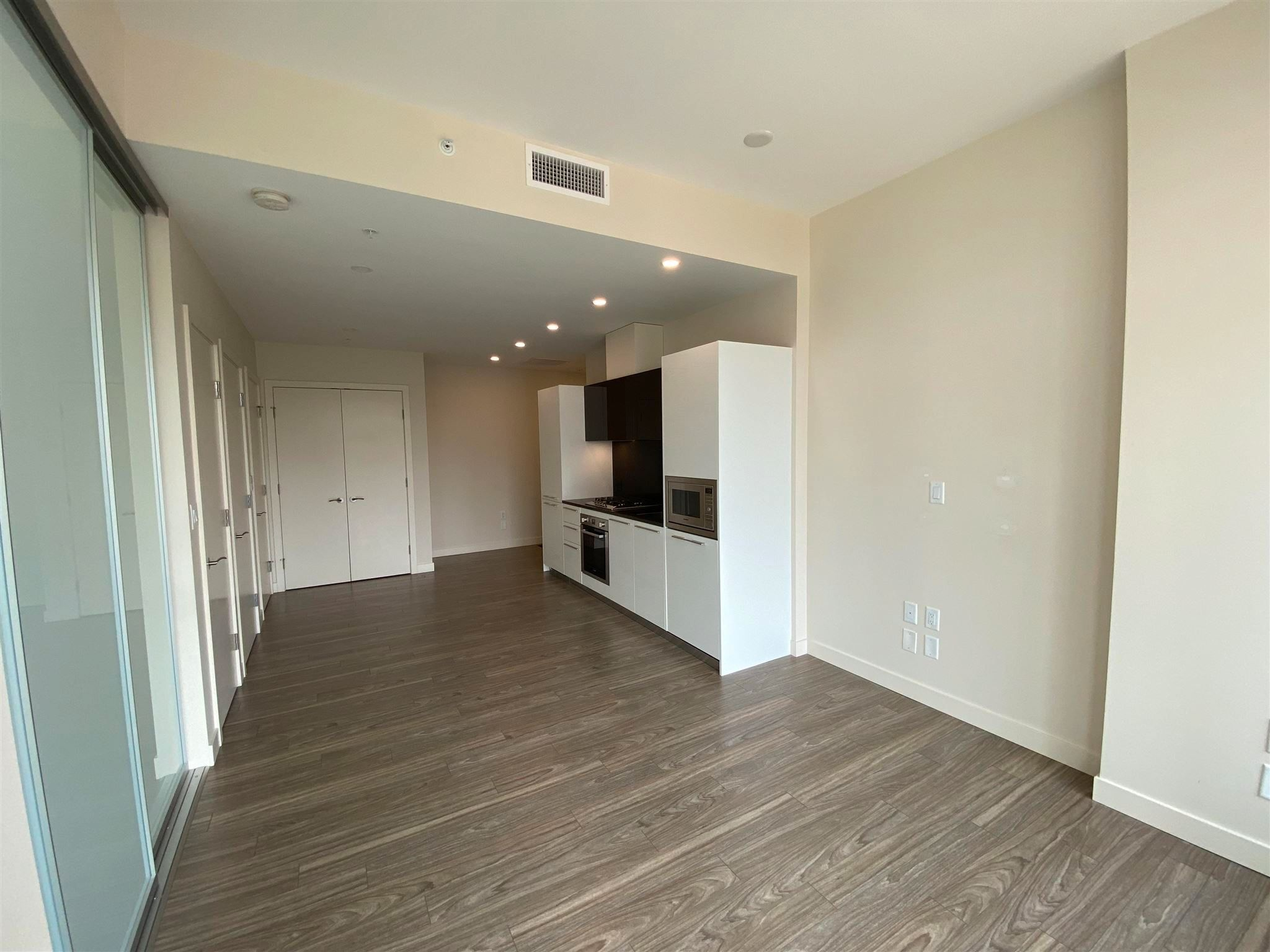 """Photo 8: Photos: 308 6288 CASSIE Avenue in Burnaby: Metrotown Condo for sale in """"GOLD HOUSE SOUTH TOWER"""" (Burnaby South)  : MLS®# R2606367"""
