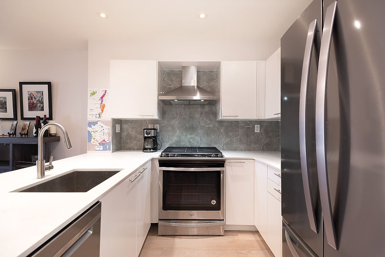 """Photo 9: Photos: 310 5723 COLLINGWOOD Street in Vancouver: Southlands Condo for sale in """"The Chelsea"""" (Vancouver West)  : MLS®# R2521366"""