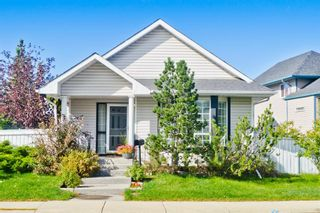 Photo 2: 112 Martinridge Crescent NE in Calgary: Martindale Detached for sale : MLS®# A1148113