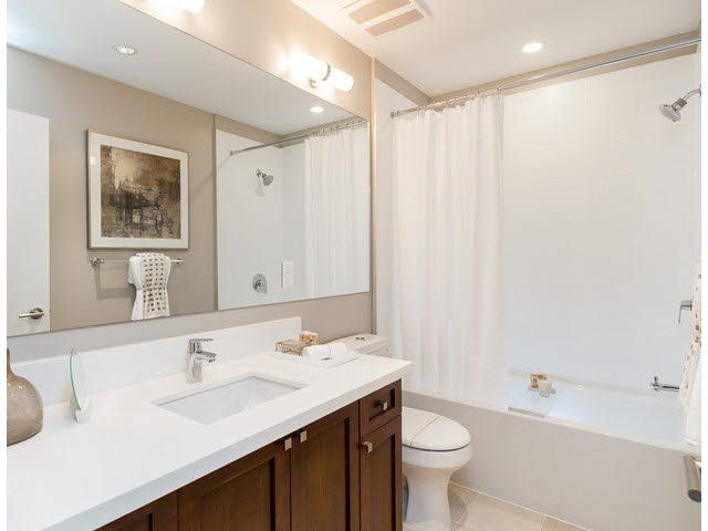 """Photo 14: Photos: 304 15188 29A Avenue in Surrey: King George Corridor Condo for sale in """"SOUTH POINT WALK"""" (South Surrey White Rock)  : MLS®# F1448455"""
