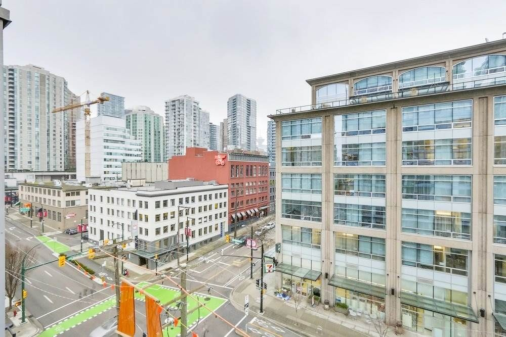 Main Photo: 1107 928 BEATTY STREET in : Yaletown Condo for sale : MLS®# R2358356