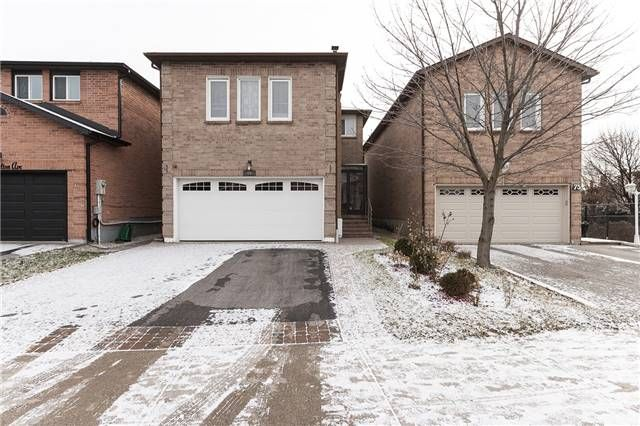Main Photo: 69 Charlton Avenue in Vaughan: Brownridge House (2-Storey) for lease : MLS®# N4131162