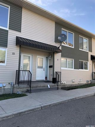 Photo 2: 9 315 N Avenue South in Saskatoon: Pleasant Hill Residential for sale : MLS®# SK848698