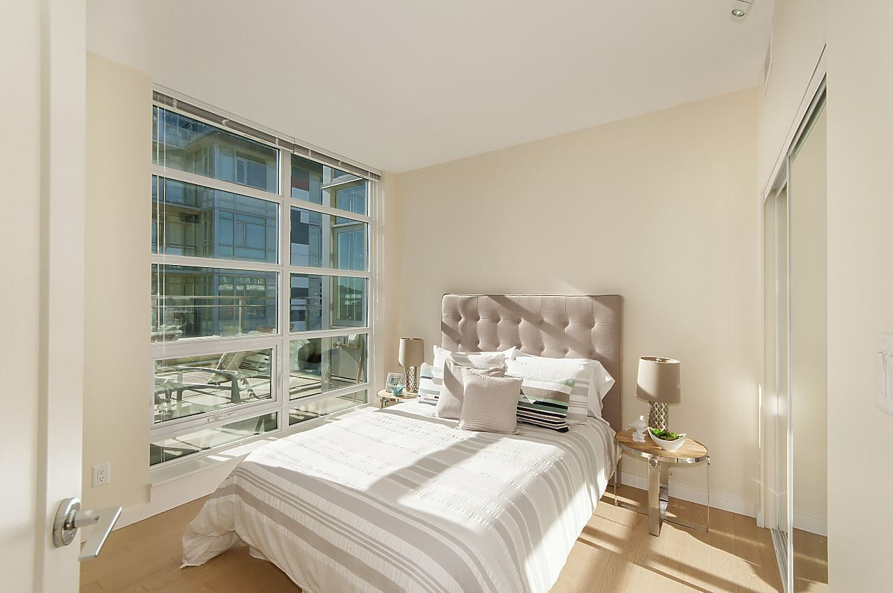 """Photo 8: Photos: 1101 88 W 1ST Avenue in Vancouver: False Creek Condo for sale in """"THE ONE"""" (Vancouver West)  : MLS®# R2234746"""