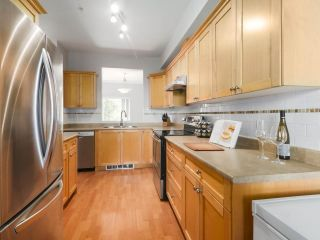 "Photo 11: 203 1567 GRANT Avenue in Port Coquitlam: Glenwood PQ Townhouse for sale in ""The Grant"" : MLS®# R2513303"