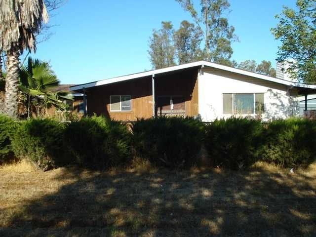 Main Photo: RAMONA House for sale : 3 bedrooms : 1953 Rowley