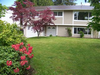 Photo 1: 1960 LILAC Drive in Surrey: King George Corridor House for sale (South Surrey White Rock)  : MLS®# F1014745