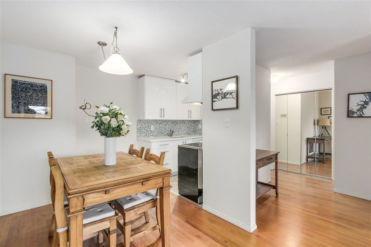 Photo 11: Photos: 213 2125 W 2ND Avenue in Vancouver: Kitsilano Condo for sale (Vancouver West)  : MLS®# R2230059