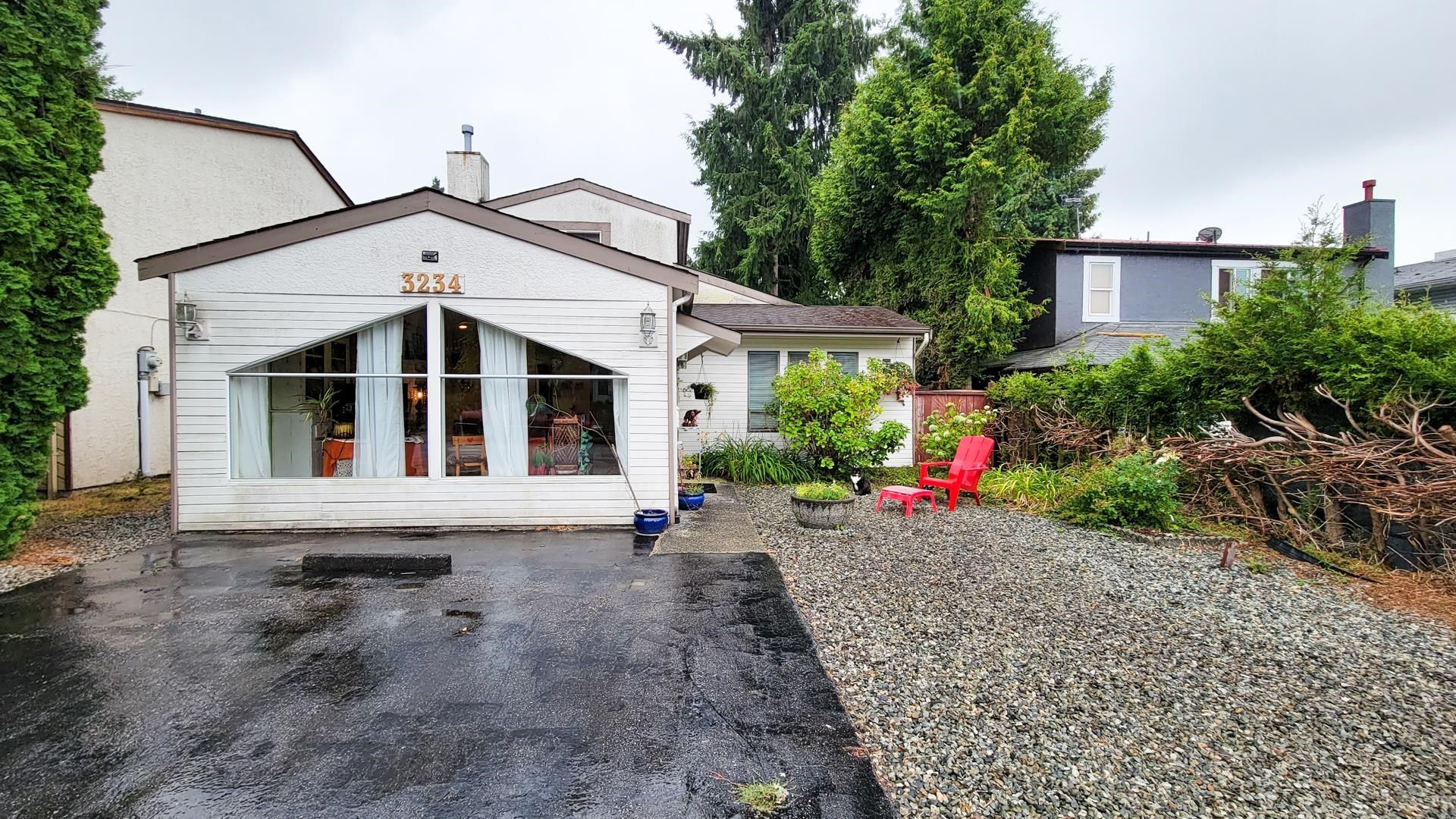 Main Photo: 3234 MAYNE CRESCENT in Coquitlam: New Horizons House for sale : MLS®# R2613688