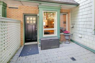 "Photo 2: 2575 EAST Mall in Vancouver: University VW Townhouse for sale in ""LOGAN LANE"" (Vancouver West)  : MLS®# R2302222"
