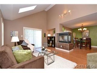 Photo 11: 3211 Ernhill Pl in VICTORIA: La Walfred Row/Townhouse for sale (Langford)  : MLS®# 590123
