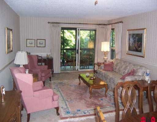 """Photo 2: Photos: 204 1480 VIDAL ST: White Rock Condo for sale in """"The Wellington"""" (South Surrey White Rock)  : MLS®# F2517276"""