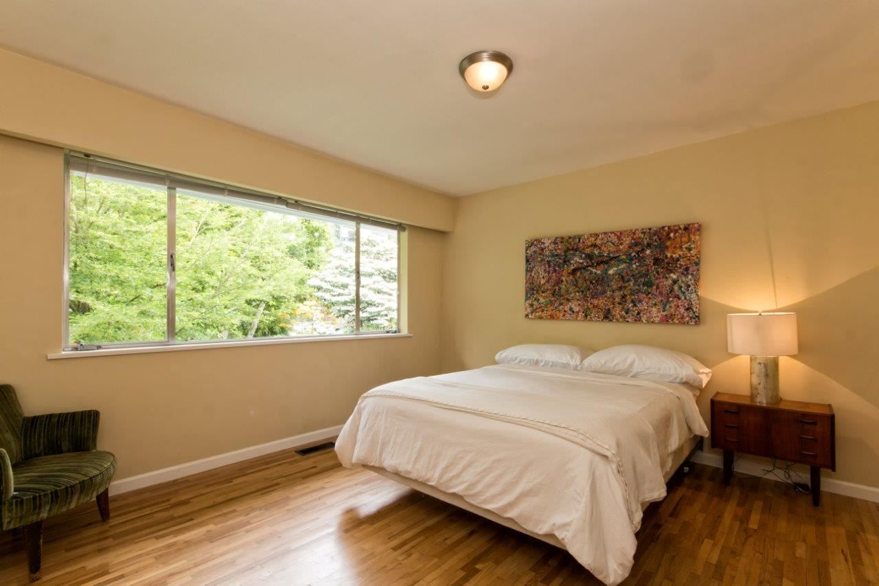 """Photo 16: Photos: 915 E 13TH Street in North Vancouver: Boulevard House for sale in """"Grand Boulevard"""" : MLS®# R2535688"""