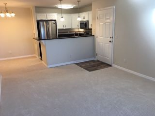 Photo 8: CLAIREMONT Condo for sale : 1 bedrooms : 5252 Balboa Arms #289 in San Diego