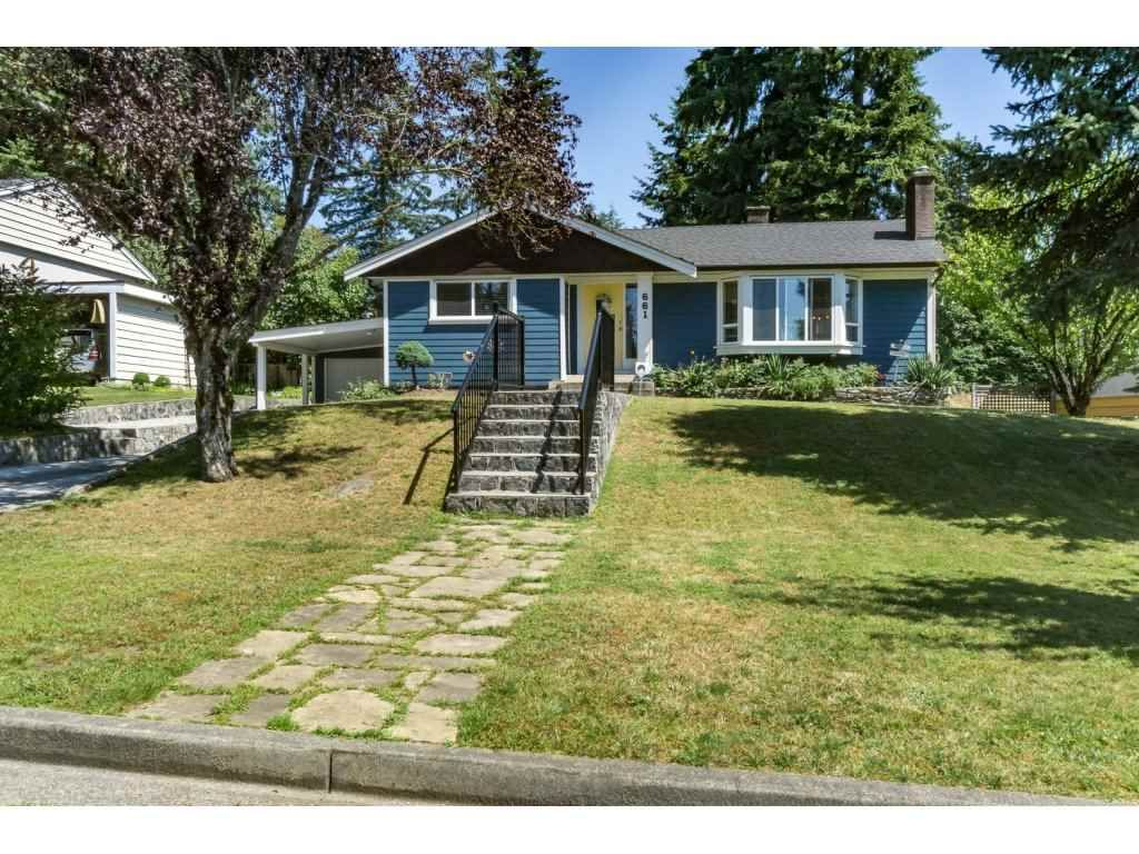 Main Photo: 661 FAIRVIEW Street in Coquitlam: Coquitlam West House for sale : MLS®# R2112495
