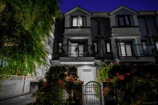 """Photo 1: 3 1135 BARCLAY Street in Vancouver: West End VW Townhouse for sale in """"Barclay Estates"""" (Vancouver West)  : MLS®# R2204375"""