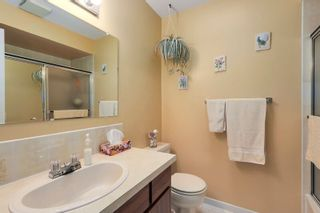 Photo 13: 638 ROBINSON Street in Coquitlam: Coquitlam West House for sale : MLS®# R2230447