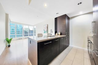 """Photo 4: 2302 833 HOMER Street in Vancouver: Downtown VW Condo for sale in """"Atelier"""" (Vancouver West)  : MLS®# R2615820"""