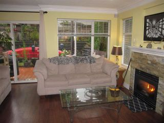 """Photo 3: 13 11255 232 Street in Maple Ridge: East Central Townhouse for sale in """"Highfield"""" : MLS®# R2325168"""