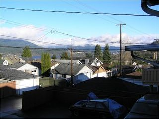 Photo 2: 4227 CAMBRIDGE Street in Burnaby North: Home for sale : MLS®# V982448