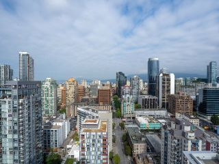"""Photo 15: 3002 1111 RICHARDS Street in Vancouver: Yaletown Condo for sale in """"8X On The Park"""" (Vancouver West)  : MLS®# R2610425"""