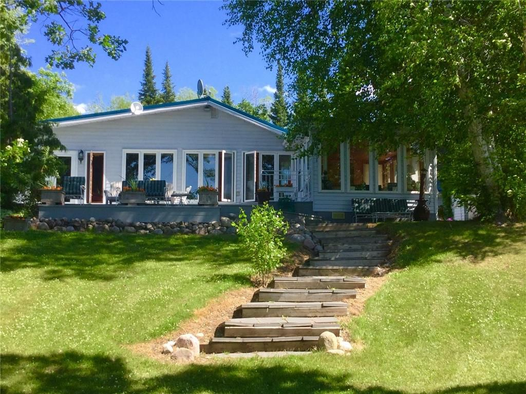 Main Photo: 18 Dobals Road North in Lac Du Bonnet: Pinawa Channel Residential for sale (R28)  : MLS®# 202008218