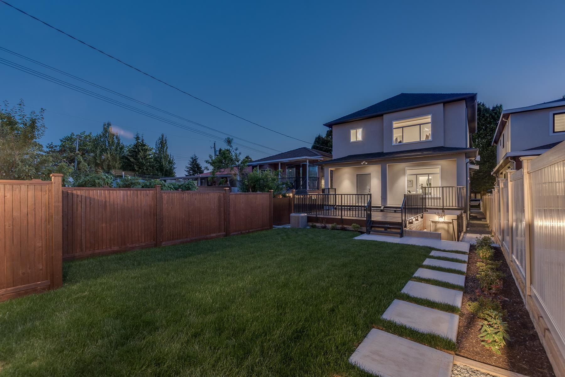 Main Photo: 6446 ARGYLE Street in Vancouver: Knight 1/2 Duplex for sale (Vancouver East)  : MLS®# R2609018