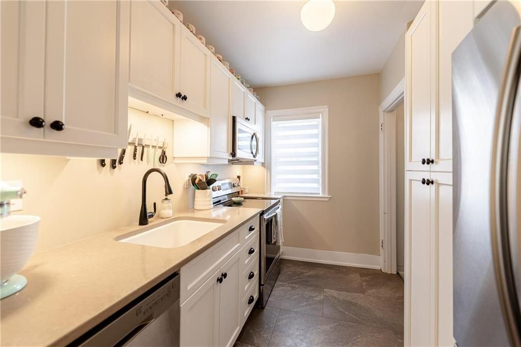 Photo 12: Photos: 292 Beaverbrook Street in Winnipeg: River Heights North Residential for sale (1C)  : MLS®# 202109631