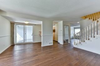 """Photo 4: 46 16363 85 Avenue in Surrey: Fleetwood Tynehead Townhouse for sale in """"SOMERSET"""" : MLS®# R2035327"""