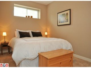 """Photo 9: 50 16789 60TH Avenue in Surrey: Cloverdale BC Townhouse for sale in """"Laredo"""" (Cloverdale)  : MLS®# F1014213"""