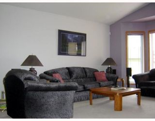 Photo 2: 71 AMANDA Crescent in WINNIPEG: West Kildonan / Garden City Residential for sale (North West Winnipeg)  : MLS®# 2910316