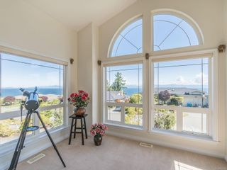 Photo 3: 5011 Vista View Cres in : Na North Nanaimo House for sale (Nanaimo)  : MLS®# 877215